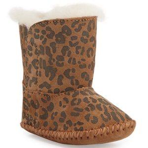 UGG Cassie leopard infant boots size 2/3.